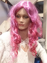 long, curly pink wig
